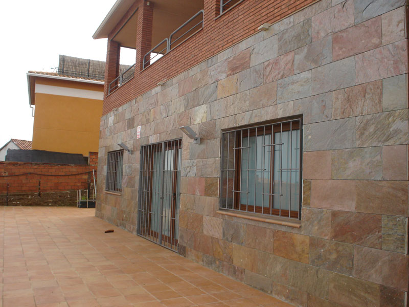 Vicaba obres i serveis acabados de fachada - Aplacado piedra fachada ...